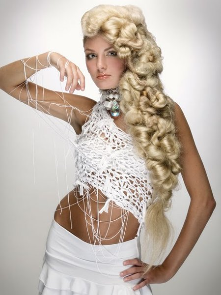 прически на длинный волос