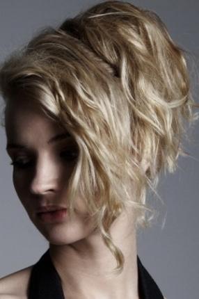 Плетение кос на короткие волосы 10 вариантов с фото