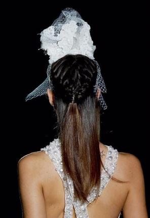 Фото стрижки средней длины спереди и сзади